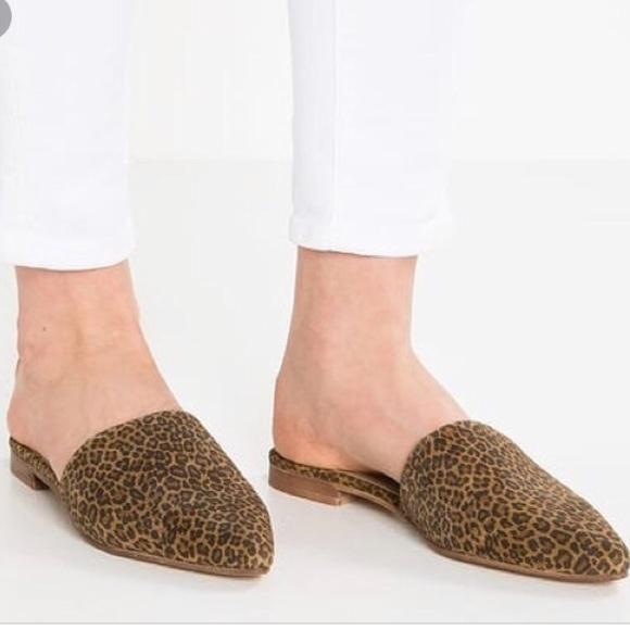 ff3befcf0c7c Topshop Shoes   Flat Leopard Cheetah Slip On Mules   Poshmark